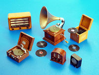 Gramophones and radios - Image 1