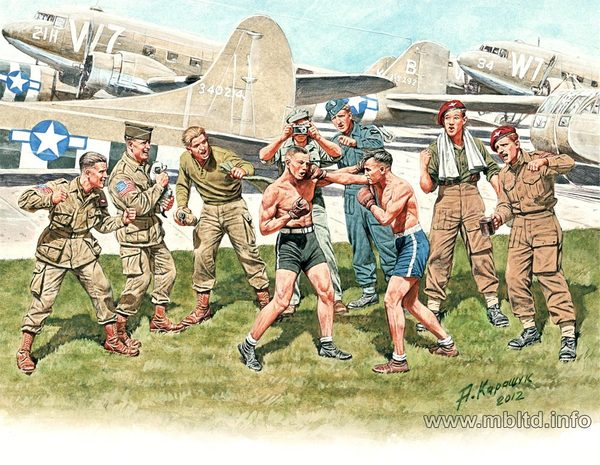 """Friendly boxing match"" British and American paratroopers, World War II Era (9 figures in kit) - Image 1"