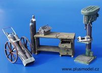 Workshop equipment - Image 1