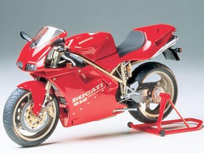 Ducati 916 - Image 1