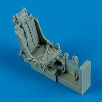F-84G Ejection Seat with Safety Belts Tamiya - Image 1