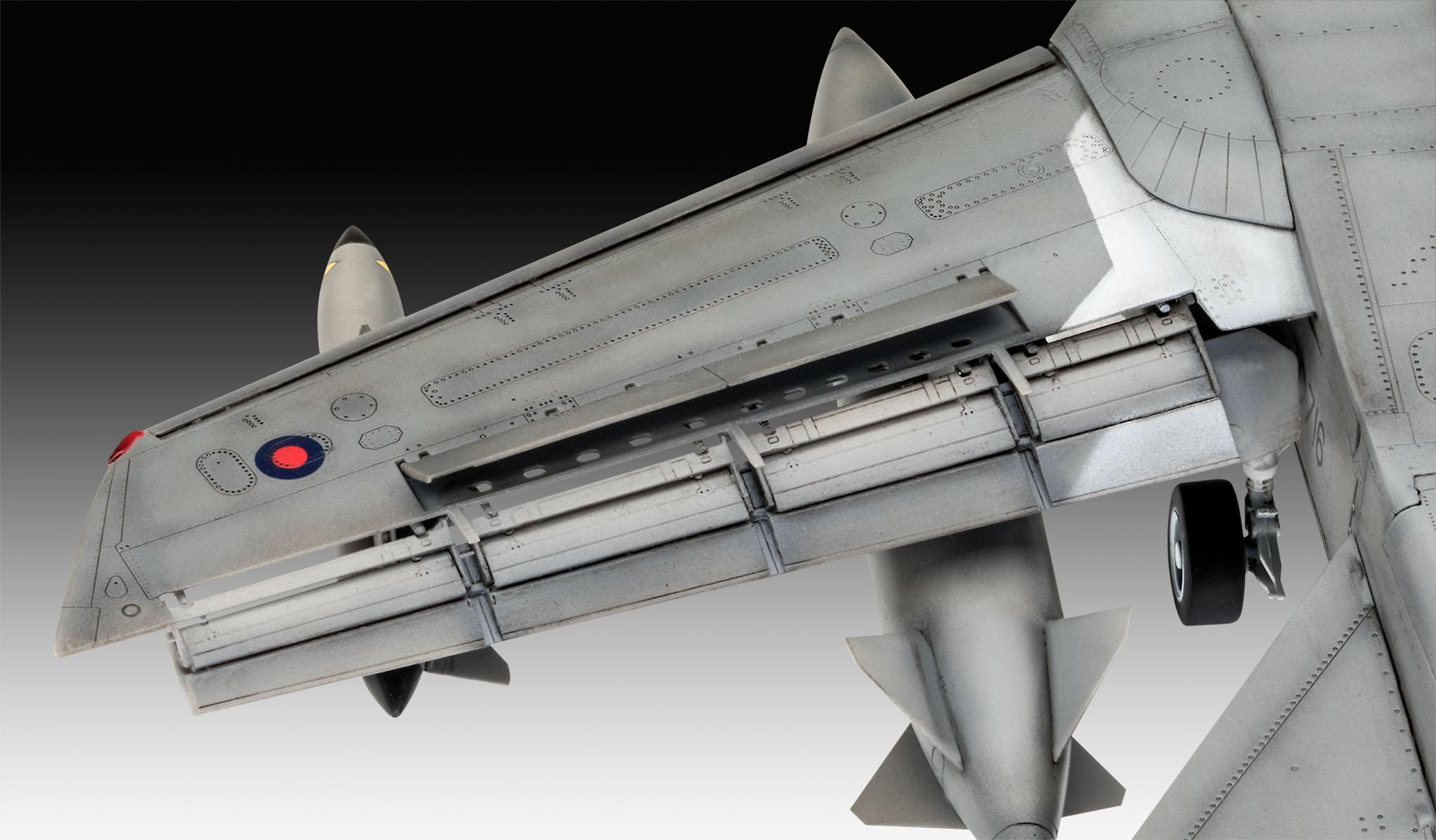 RV03853 Revell-Tornado GR.4 Farewell Maqueta Fiel al Original para Expertos Color Plateado
