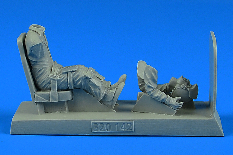 U.S.A.F. Pilot with seat for O-2 KINETIC / HASEGAWA / ITALERI - Image 1