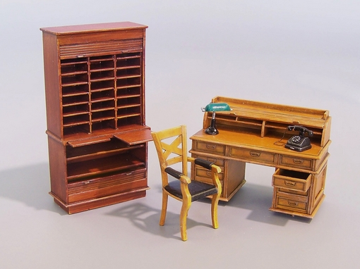 Office furniture - Image 1